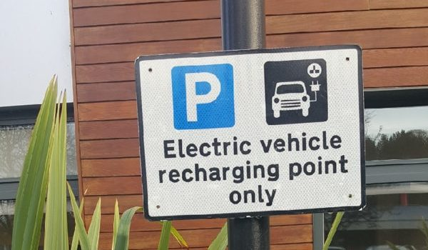 10 Great Reasons to Switch to an Electric Car Now